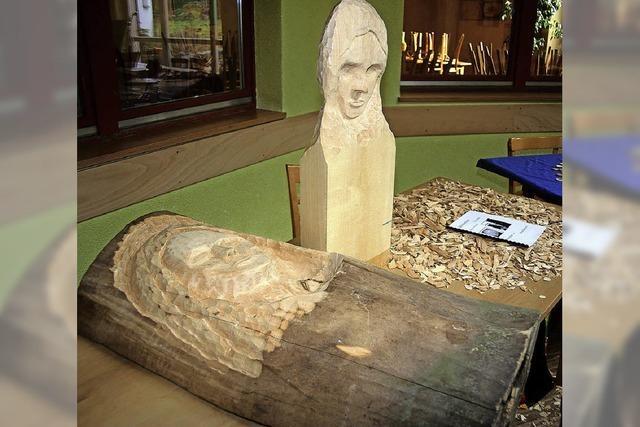 Von Holzschnitz-Skulpturen bis zur Euro-Finanzkrise