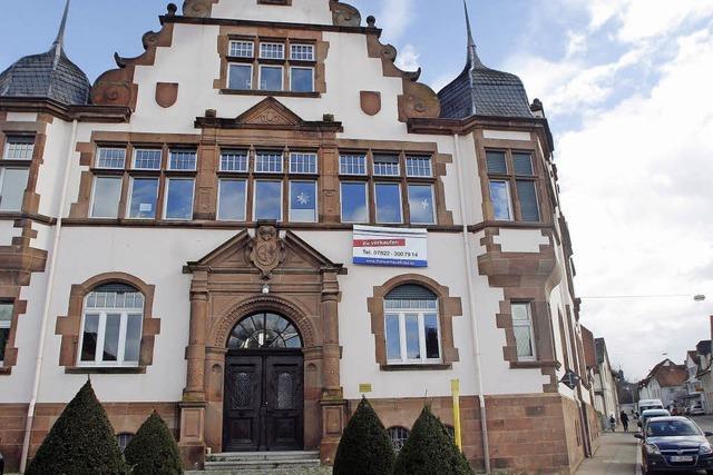 Dinglinger Rathaus steht zum Verkauf