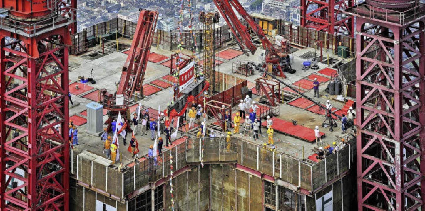 Fetisch Wachstum: Baustellen symbolisieren eine boomende Wirtschaft.   | Foto: dpa