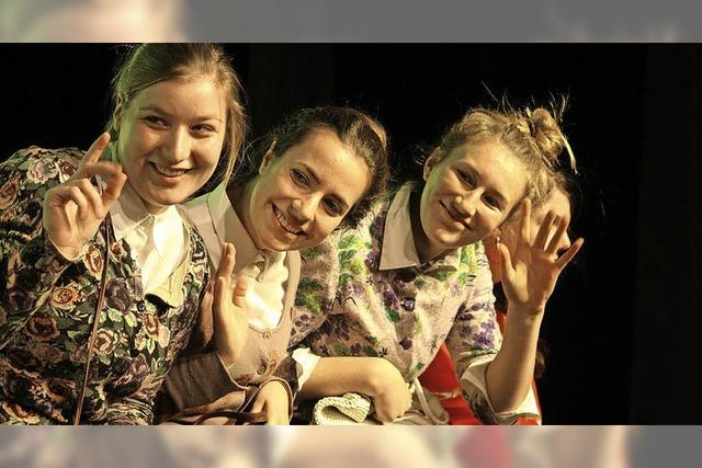Oberstufen-Theater-AG des Rotteck-Gymnasiums spielt