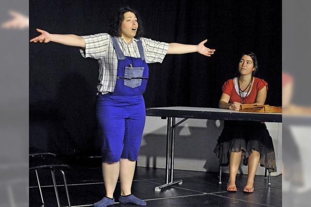Muntere Frauen bringen Schwieriges auf die Bühne