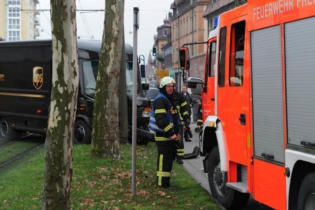 Unfall in Freiburg verursacht Verkehrschaos auf Ost-West-Achse