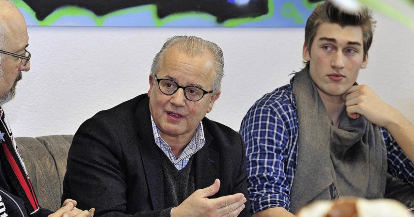 Lässiger Lessing-Pate: SC-Präsident Fr...nks) und Schülersprecher Maik Bosbach   | Foto: Kunz
