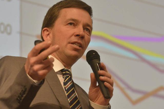 Wahlauftritt: AfD-Spitzenmann Bernd Lucke in Freiburg