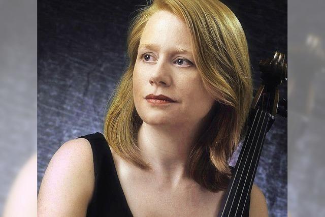 Die Cellistin Bridget MacRae spielt in Ebringen