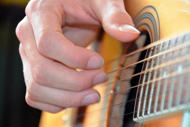 Training beim Fingerstyle-Meister