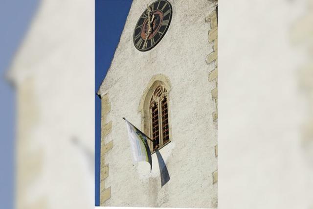 Stadt ist Unterhalt für Kirchturm los