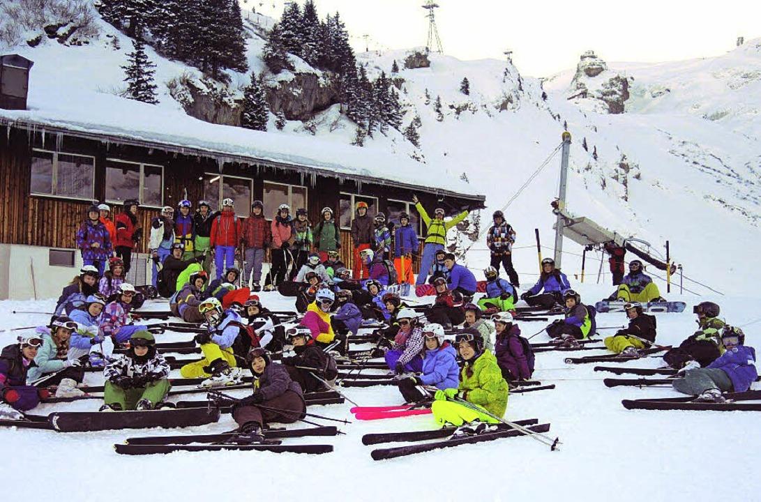 Immer montags sind die Skifans auf der Piste – und manchmal in Engelberg.  | Foto: privat