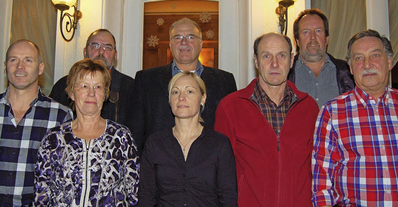Die acht Kandidaten der Freien Wähler ...d Steiner, Eugen Spitz und Kurt Bauer     Foto: Vollmar