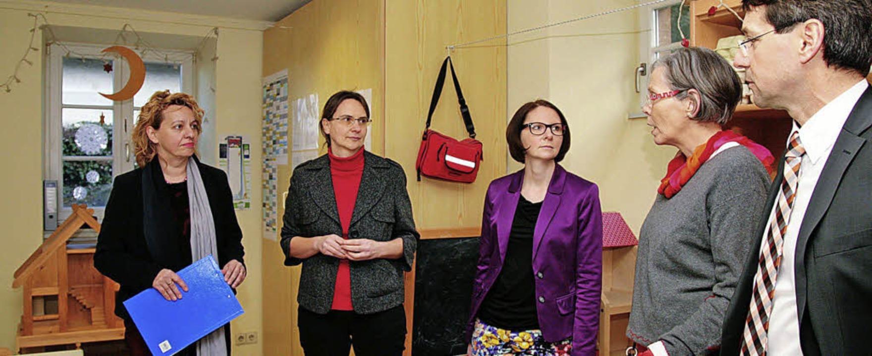 Grünen-Landtagsabgeordnete (Mitte) im ...etz und Susanne Jakubeit (von rechts)   | Foto: Sandra DEcoux-Kone