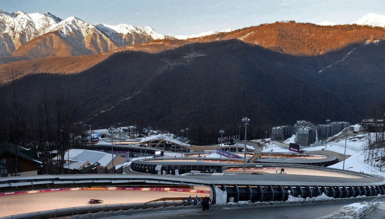 In der Bergwelt um Krasnaja Poljana fi...tbewerbe der Olympischen Spiele statt.  | Foto: dpa