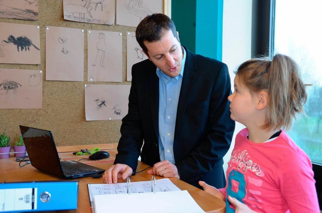 Die Lehrer heißen Lernbegleiter und kü...ernfortschritt jedes einzelnen Kindes.  | Foto: Andrea Gallien