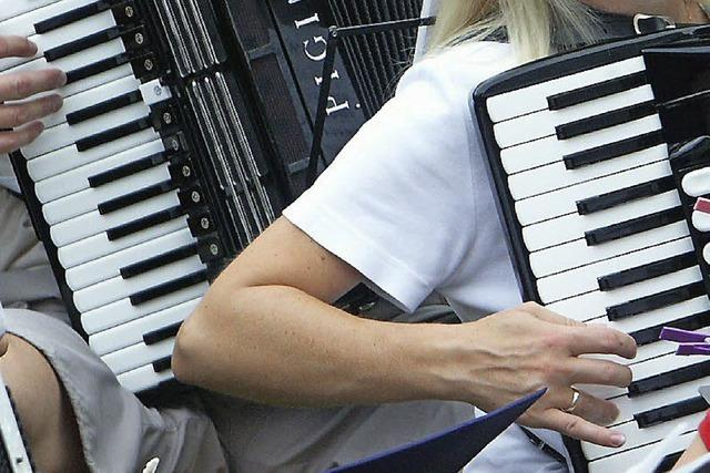 Tanzende Finger machen Musik