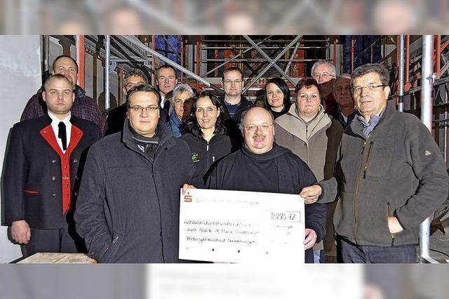 Vereine unterstützen Kirchenprojekt