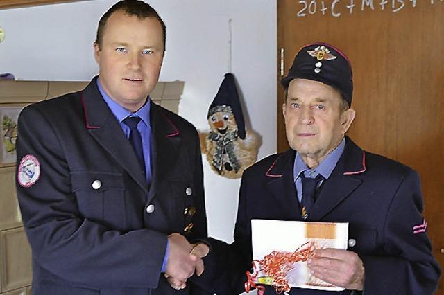 Zwei Frauen in der Feuerwehr