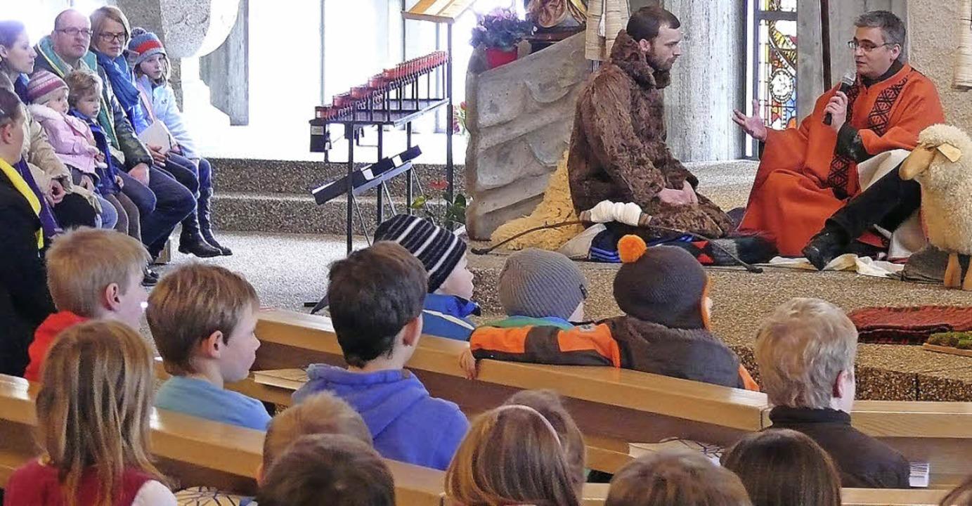 In der Abenteuerkirche sehen die Kinde...chichte, danach sprechen sie darüber.     Foto: Ute Aschendorf