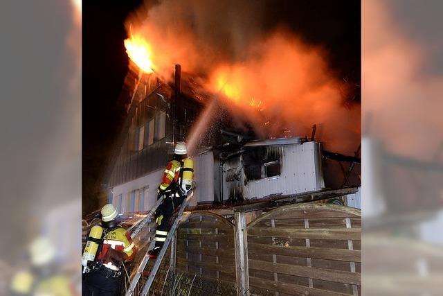 Feuer vernichtet Wohnhaus