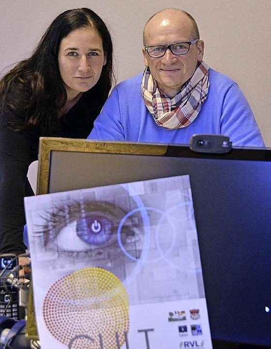 Organisatoren Stephanie Seidlitz und Markus Hug mit Cult-Motiv  2014     Foto: Nikolaus Trenz
