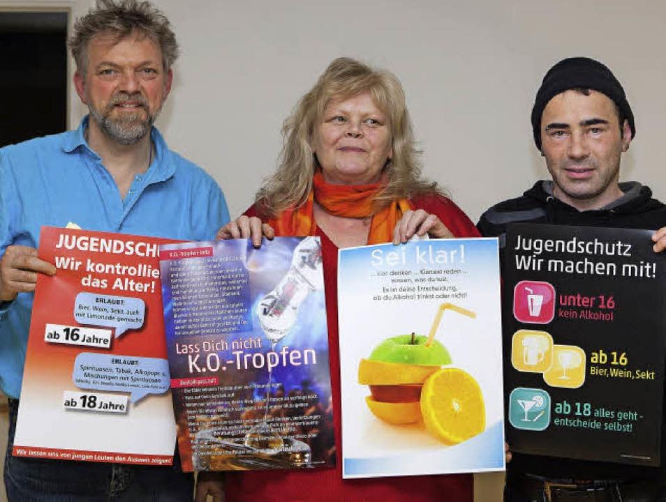 Joachim Blank, Barbara Reek und Daniel... risikobewusst mit Alkohol umzugehen.   | Foto: Gabriele Zahn