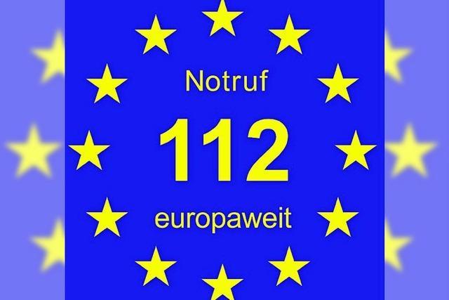 Feuerwehr wirbt mit Aufkleber: 112 europaweit