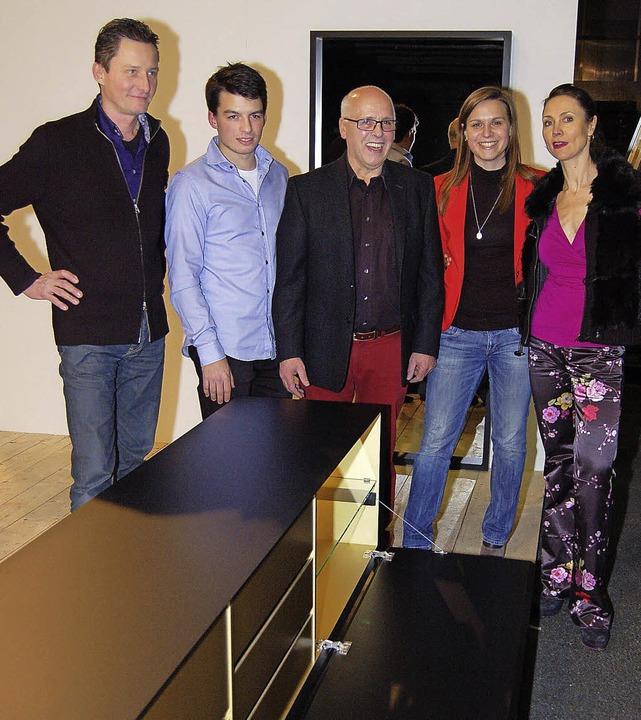 Haben die neue Kollektion geschaffen (... Sideboard aus der ersten Kollektion.     Foto: Heinz Vollmar