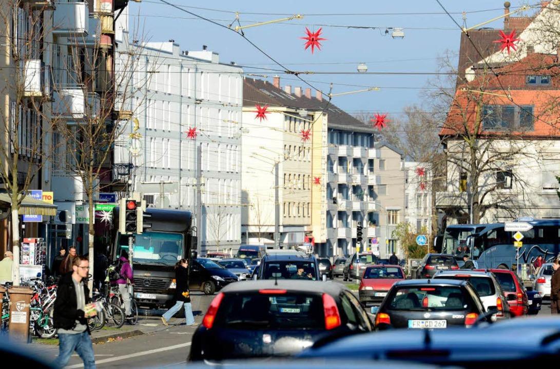In der Stadt – hier die Habsburg... Menschen  an Lärm und Hektik nicht me    Foto: Ingo Schneider