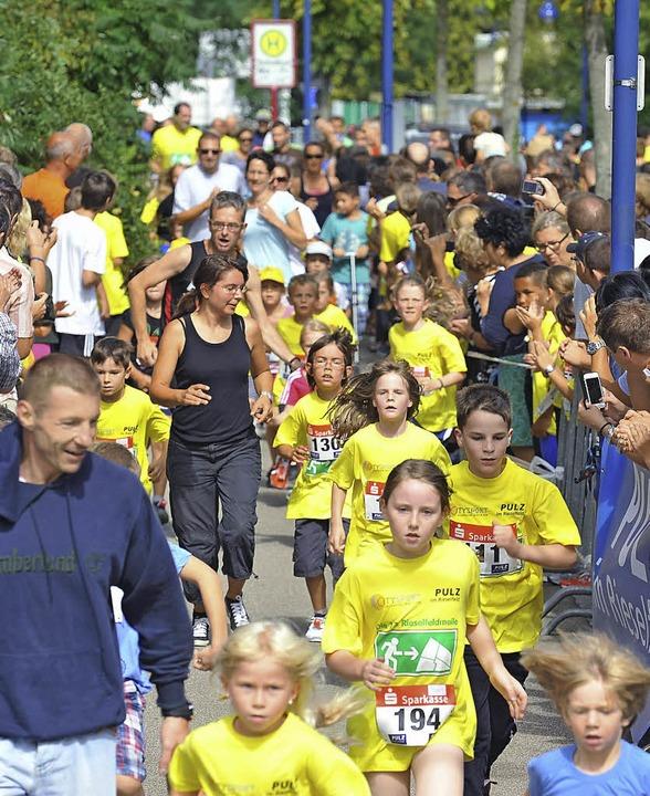 Ein Sportfest für alle: die Rieselfeldmeile   | Foto: Rita Eggstein
