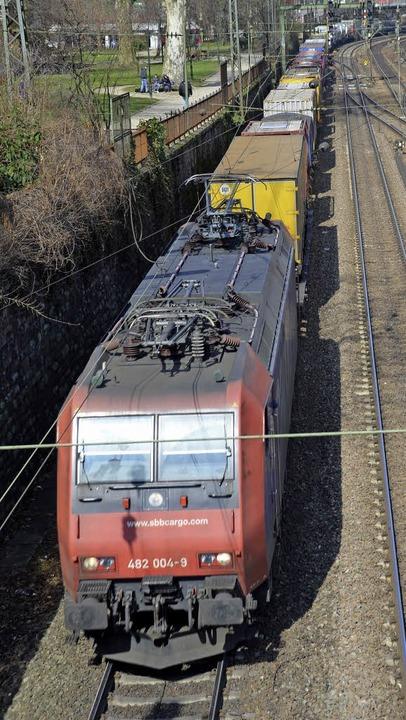 Nach wie vor in weiter Ferne: die Zuku...trasse zwischen Offenburg und Riegel.   | Foto: hsl