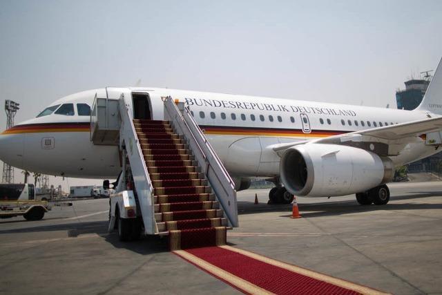 Prozessbeginn: Halbnackter im Regierungsflugzeug