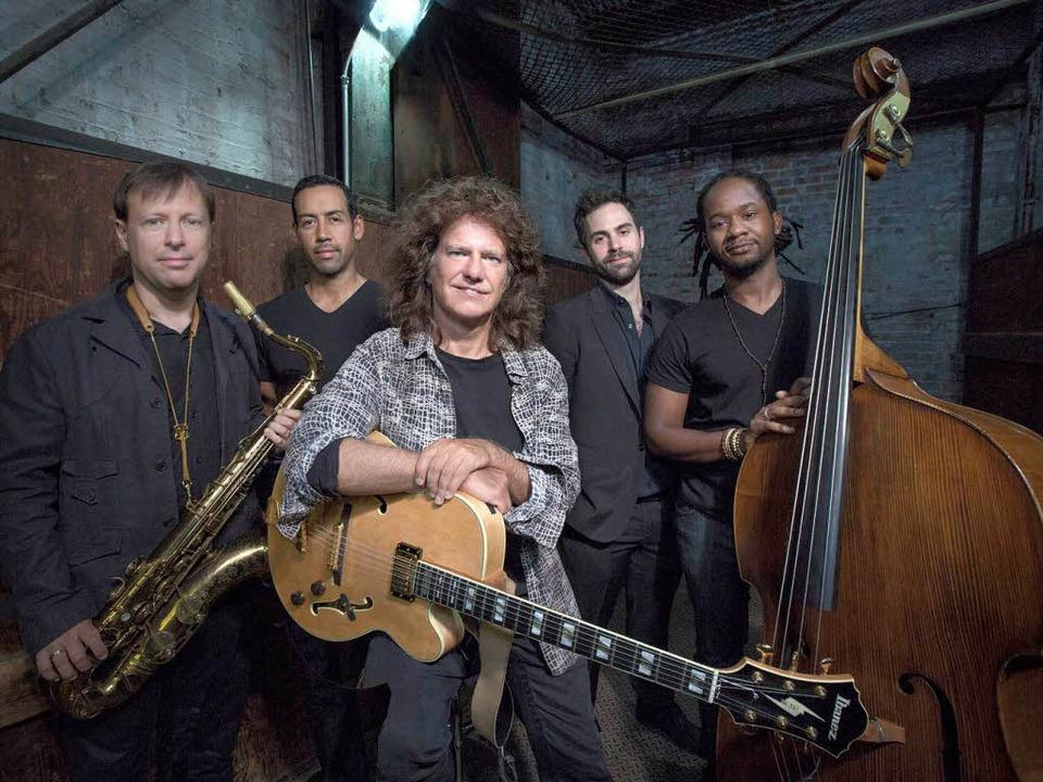 Pat Metheney (Mitte) mit seiner  Unity Group   | Foto: Jimmy Katz