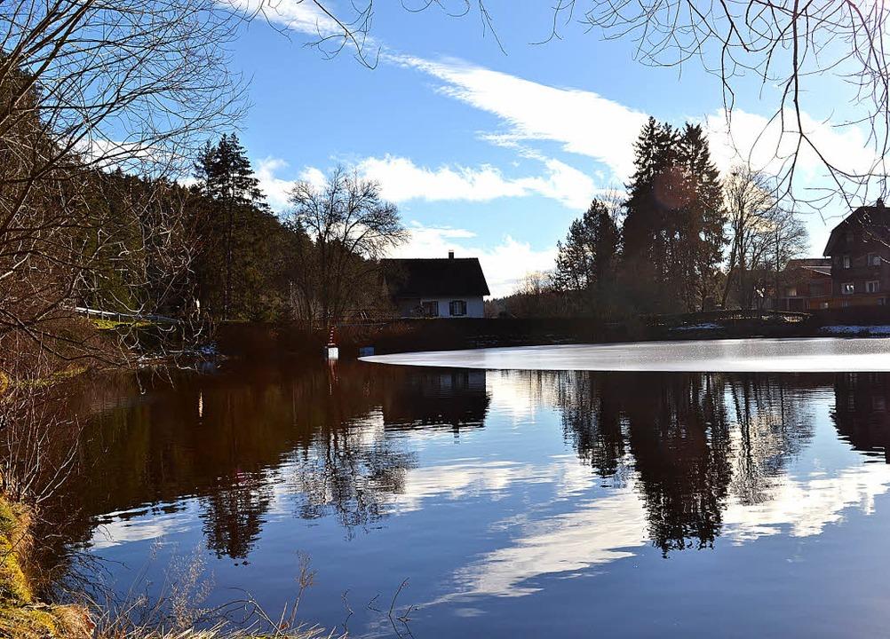 1614 brach durch die starke Schneeschm...Der heutige See in winterlicher Ruhe.   | Foto: Liane Schilling