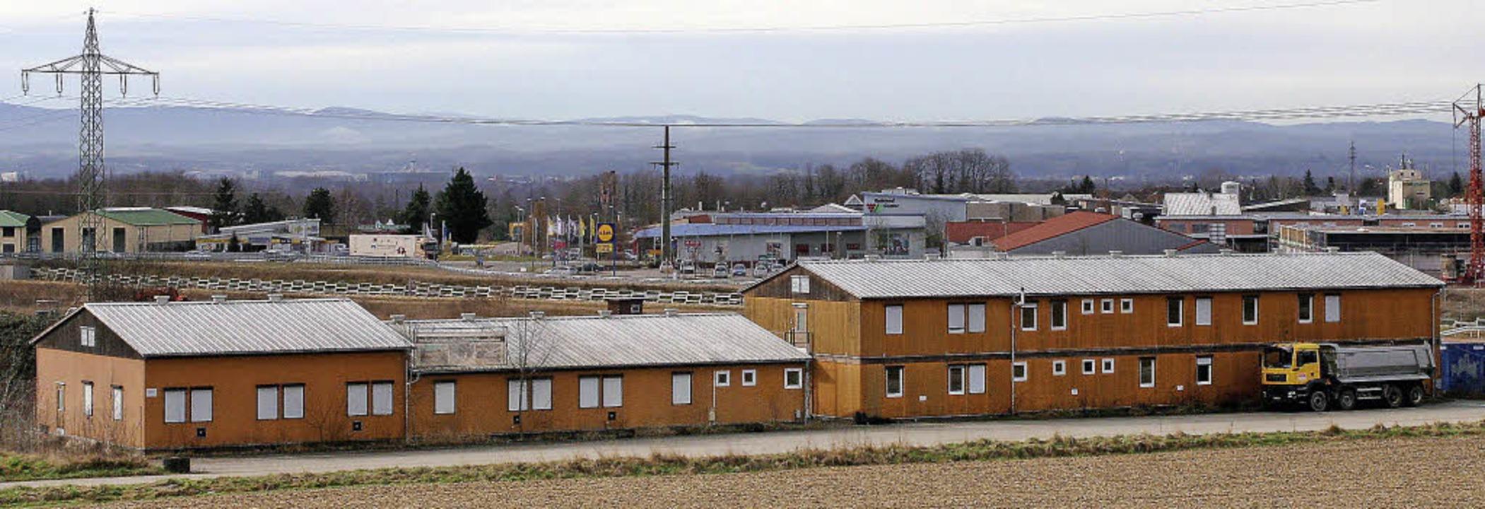 Im einstigen DB-Servicecenter soll ein...efindliche Gewerbegebiet Im Schlöttle.  | Foto: Reinhard Cremer