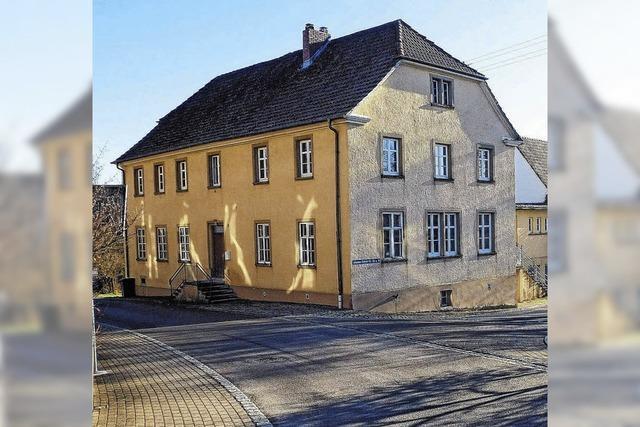 Ein Nachbar kauft das alte Schulhaus