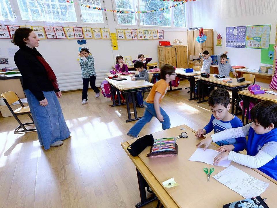 Hier war ein Unterrichtsbesuch noch er...z 2013. Links Schulleiterin Öznur Eser  | Foto: Ingo Schneider