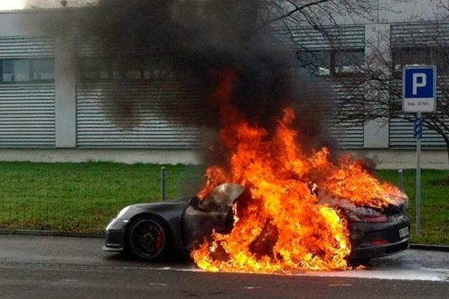 Porsche 911 GT3: Luxuswagen geht in Flammen auf