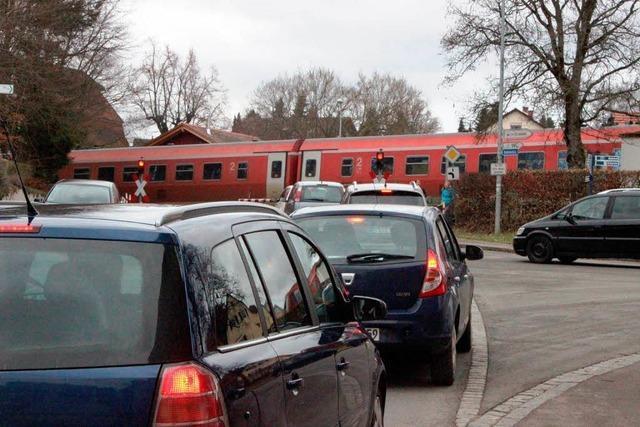 Hintere Höllentalbahn: Schranken bremsen Retter aus
