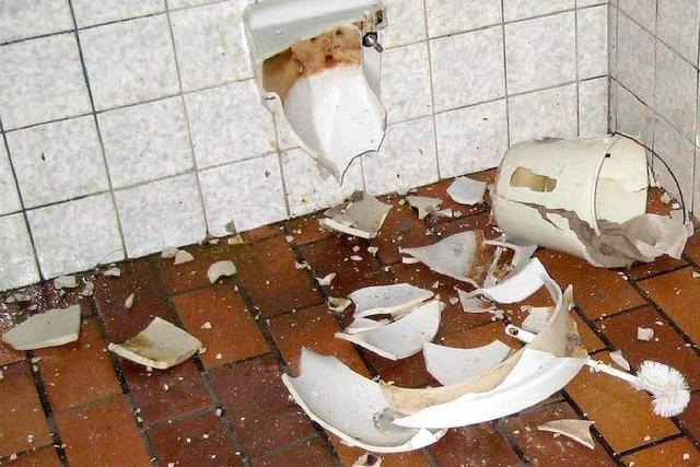 In Wyhlen wurde eine öffentliche Toilette mit Silvesterböllern gesprengt