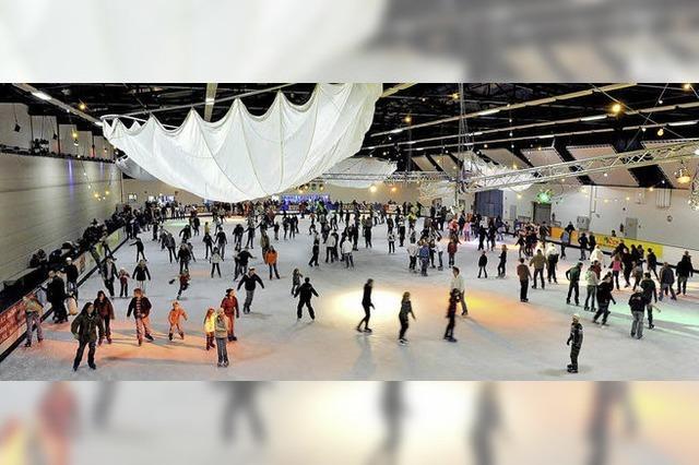Schaum-Party zum Abschluss der Eislaufsaison