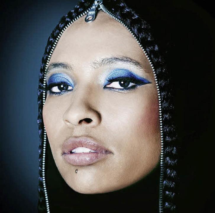 """Tokunbo Akinro nennt ihre Musik """"Folk Noir""""     Foto: Promo"""