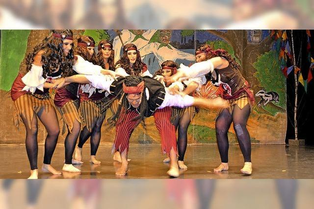 Tänze, Sketche und Spitzen