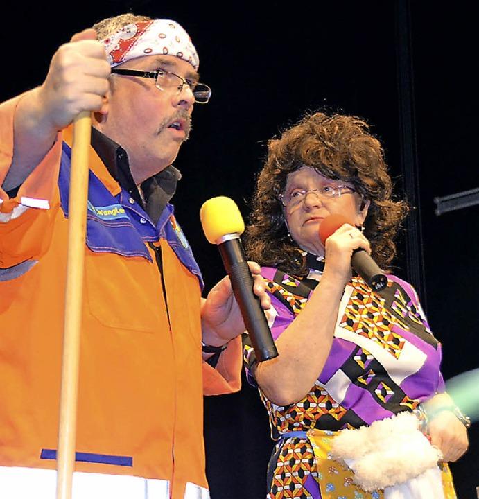 Lothar Bader und Petra Schonhard brach...te der Stadt die  Besucher zum Lachen.  | Foto: Martin Wunderle
