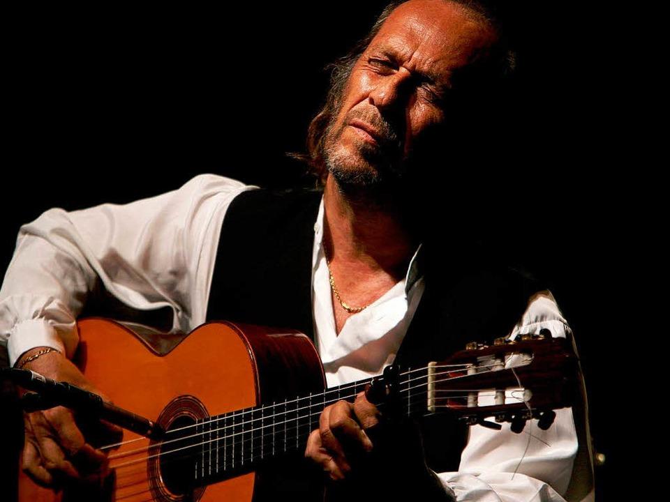 Paco de Lucía bei einem Konzert 2006 in seiner Heimat Spanien.   | Foto: AFP