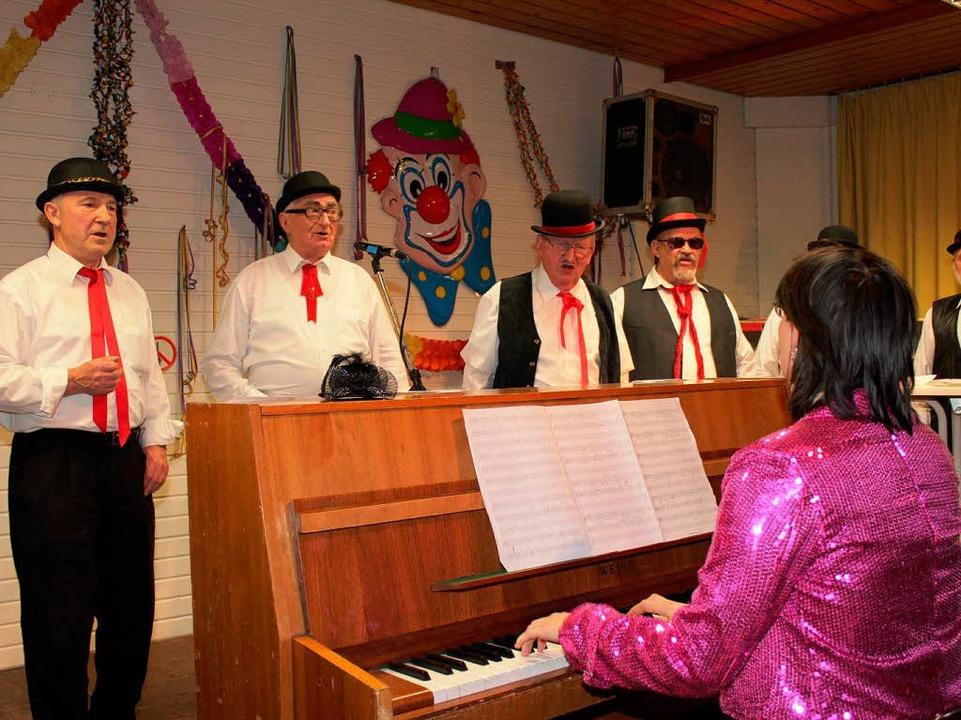 Gepflegte Weisen mit Klavierbegleitung: die Old Boys.  | Foto: Mario Schöneberg