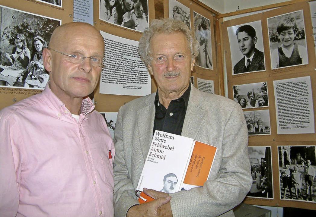 Der Historiker und Autor Wolfram Wette...edenkstätte für Flüchtlinge in Riehen   | Foto: Roswitha Frey