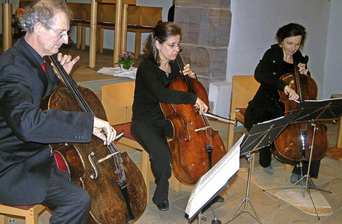 Das Cellotrio 3Klang mit Daniel Robert... Barbara Graf (von links) in Grenzach   | Foto: Roswitha Frey