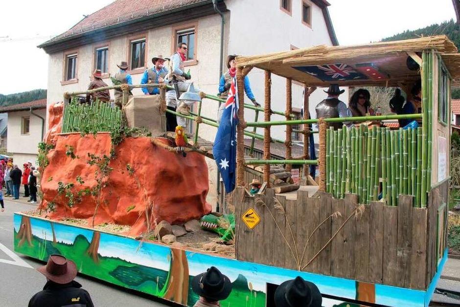 Die Krokodilfänger aus Merdingen  waren auch beim Schindlejokelumzug in Niederwinden - so bleibt die Elz garantiert Krokodil-frei. (Foto: Helmut Häringer)
