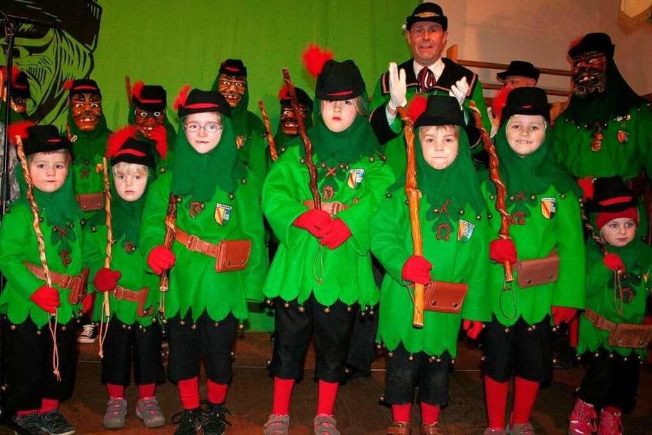 Die kleinen und die ganz kleinen Johlis hatten mit Katja Schill Tänze einstudiert, die eine herrliche Programmeröffnung waren. (Foto: Karin Heiß)