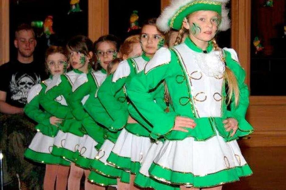 """Die Schottenröcke dominierten in der Wehratalhalle beim Todtmooser Zunftabend unter dem Motto """"Irisch-Schottisch"""". Nicht nur mit der Verpflichtung der Celtic-Rockband """"Garden Of Delight"""" gelang der Narrenzunft ein Spagat, der gut ankam."""