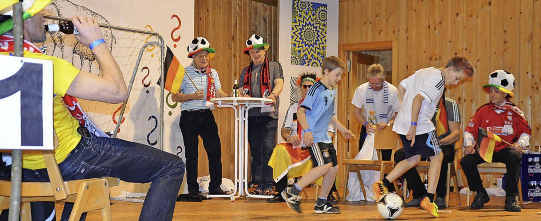 Ein WM-Endspiel in St. Märgen - auch das ist an Fasnet möglich.  | Foto: Alexandra Wehrle