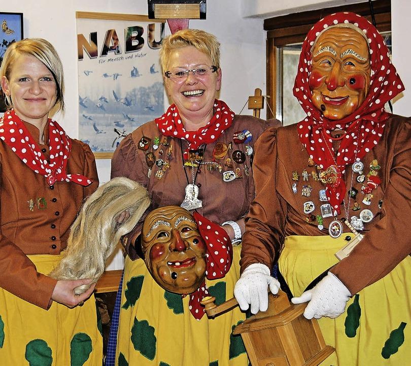 Die  Birkendorfer Rombachwiibli beantw...in Birkendorf viele Fragen der Gäste.   | Foto: Seifried